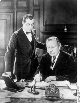 Schriftsteller Conan Doyle mit seinem Sohn