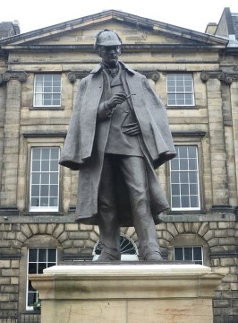 Sherlock_Holmes_Statue,_Edinburgh